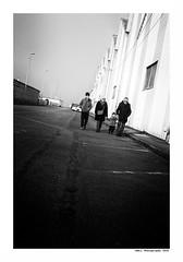 """""""Dans Les Traces Du Poulpe Ou Pour L'Attendrir Faut Taper Dessus... 20"""" (TBWLC Photography) Tags: fdrouet tbwlc nb bw monochrome street nikon d750 saintnazaire penhoët"""