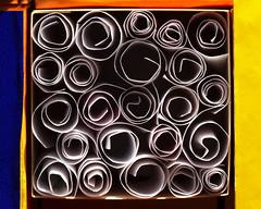 Choisissez votre cadavre pourvu qu'il soit exquis (Emmanuelle2Aime2Ailes) Tags: macromondays contained paperrolls box exquisitecorpse