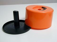 portadischi02 (marratime) Tags: marratime vedodesign kartell porta dischi 1 7200 olaf von bohr plastic plastica design made italy modern modernariato vinile