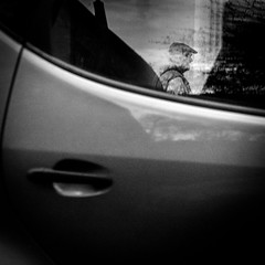 ... (Ewedan Photography & Art) Tags: blackwhite bw blackandwhite bnw bild blackandwhitephoto czarnobiale czarnobiałe czarnobiało canon city danielslominski deutschland ewedan einfarbig mensch people menschen reisen art foto fotografia fotografie fenster g7xmii g7x gdansk danzig human image images pic picture pictures kunst mono monochrome obraz photo photography polen polska poland schwarzweiss strase streetphotography streetart schwarzweis streetstyle sztuka ulica
