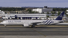 VQ-BQG_JFK_Taxiing_In_Sky_Team (MAB757200) Tags: aeroflotrussianairlines vqbqg aircraft airplane airlines airport jetliner jfk kjfk boeing taxiing skyteam nikon b7773m0er