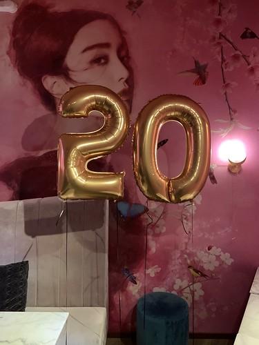Folieballon Cijfer 20 Madam Chen Rotterdam
