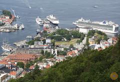 Cruise ships docked in Bergen, Norway (Jürgen Leschinger) Tags: jürgenleschinger canon 2018 europa europe scandinavië scandinavia noorwegen norway msrotterdam hal hollandamericaline msazura pocruises imo9122552 imo9424883 cruise schip cruiseschip passagiersschip cruiseship cruisevessel ship vessel fjord fjorden fjords noorsefjorden norwegianfjords eidfjord ålesund alesund geiranger bergen cruiseterminal bryggen tyskebryggen håkonshallen håkonshall kinghåkonshall haakonshall bergenhusfortress bergenhus bergencitymuseum museum vesting fortress stad town city haven port harbor harbour skoltegrunnskaien imo8506373 astor uitzicht view