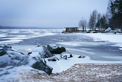 winter holds on (@Tuomo) Tags: finland muuratsalo päijänne lake winter ice froezen cold bluemoment landscape sony ilce9 sel55f18z moody january
