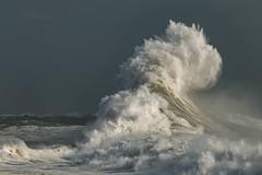 When the waves start dancing (khan.Nirrep.Photo) Tags: vagues waves finistère canon bretagne breizh beauté storm tempête canon70d tamron150600mm flickrunitedaward