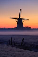 20190121-Canon EOS 6D Mark II-4756 (Bartek Rozanski) Tags: stompwijk zuidholland netherlands winter dutch holland nederland grondzeiler windmill mist frost morning polder