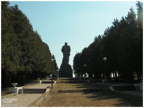 Гігантська статуя Леніна в Дубні, Московська область 01 InterNetri