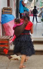 "MEXICO, San Juan Chamula, unterwegs in eiem ganz speziellen Maya-Dorf, 19422/12243 (roba66) Tags: mexiko mexico mécico méjico nordamerika northamerica zentralamerika yukatanhalbinsel rundreise 2017 roba66 chiapas san juan chamula tzotzilmaya religion platz places historie history historic historical geschichte reisen travel explore voyages fassade urlaub visit tourism rue strase road city stadt capital cityscape urban ""street capture"" strasenszene dorf menschen people maya woman femme frau leute kind"