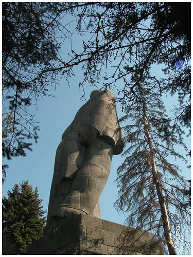 Гігантська статуя Леніна в Дубні, Московська область 04 InterNetri