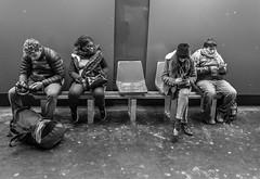 2020-01-06 - Lundi - 6/366 - Look at me - (Noa, Gil Dor) (Robert - Photo du jour) Tags: 2020 janvier france homme nb noiretblanc lebanc lookatme noagildor nation chaisevide regard paris assis