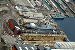 RX300664 (Andy Amor) Tags: warships destroyer hmnb docks dockyard navy basin water dry scaffolding rn