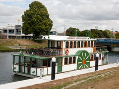 Kaiapoi River Queen (007/366) (johnstewartnz) Tags: kaiapoi kaiapoiriverqueen fauxpaddlewheeler replicapaddlewheeler canon canonapsh apsh eos 100canon 40mmstm 40mm ef40mmf28stm river boat 1dmarkiii 1d3 1dmark3 1d 1dmkiii 1dmk3 1diii canoneos1dmkiii canoneos1dmark3 onephotoaday oneaday oneaday2020 366photochallenge project366 366project 366the2020edition 3662020 day7366 07jan2020 oneadayonephotoaday2020