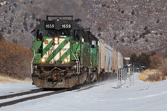 BNSF 1659 Larkspur 30 Dec 19 (AK Ween) Tags: bnsf bnsf1649 bnsf1933 emd sd402 larkspur colorado jointline pikespeaklocal cascadegreen train railroad