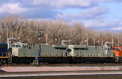 New Iowa Interstate GE's (Jeff Carlson_82) Tags: iais iowainterstate 518 519 ge es44ac mo missouri kansascity kc knocheyard new primer train railroad railway railfan bnsf 2796 emd gp392