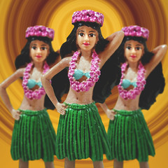Day 6 : Ke Ka Upu (Randomographer) Tags: project365 plastic figure hula grass skirt hawaii vintage hawaiian digital art 2020 clone dance 366 6 graphic design flower lei girl viii kitsch kitschy