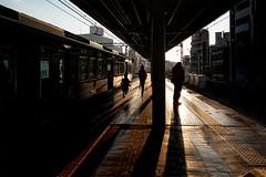 DSC05577A Sunset (soyokazeojisan) Tags: japan kobe city street sunset station people digital sony rx100ⅵ sunlight shadow 2020