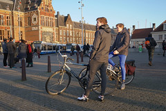 Stationsplein - Amsterdam (Netherlands) (Meteorry) Tags: europe nederland netherlands holland paysbas noordholland amsterdam amsterdampeople candid streetscene people centrum center centre stationsplein centraalstation crowd bicyclette bicycle cyclist boys hommes male guys friends amis mates lads giant tram gvb streetcar sneakers trainers baskets nike airmax nikeairmax90 teens twinks december 2019 meteorry