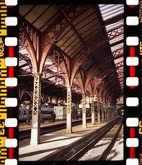 Copenhagen Central Station (Rollei 35SE) (mmartinsson) Tags: digitalizascanningmask color rollei35se h 840 film huvudbanegården analoguephotography negative rollei scan fujifilm epsonperfectionv700 centralstation 2019 sonnar2 pro400 köpenhamn regionhovedstaden danmark