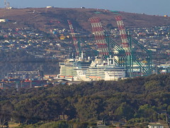 Tarde de cruceros en el puerto de San Antonio. (Andres Bertens) Tags: 2552 olympusem10markii olympusomdem10markii olympusm75300mmf4867ii olympusmzuikodigitaled75300mmf4867ii rawtherapee puerto sanantonio chile
