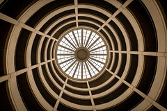 Spiralrampe (Nic2209) Tags: nikond750 nic2209 flickr2020 flickr 2020 allemange alemania europa deutschland germany treppen stairporn stairs escaliers scala scalaachiocciola spiralstaircase escalierencolimaçon staircase fenster window garage licht light rund rundgang tamron1530mm tamron spiralrampe hh