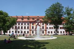 Erfurt: Thüringer Staatskanzlei (Helgoland01) Tags: erfurt thüringen deutschland schloss palace regierung government brunnen