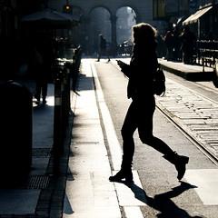Som ombra ?? (Miquel Lleixà Mora) Tags: igersmataro igerscatalunya igers igersmaresme 1415mobilephotographers lensculture life vida color people gent streetlife strett streetphoto lacalleesnuestra lacalleesnuestracolectivo carrers shadow ombres