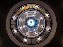 (Nic2209) Tags: nikond750 nic2209 flickr2020 flickr 2020 allemange alemania europa deutschland germany treppen stairporn stairs escaliers scala scalaachiocciola spiralstaircase escalierencolimaçon staircase fenster window garage licht light rund rundgang tamron1530mm tamron kontorhaus