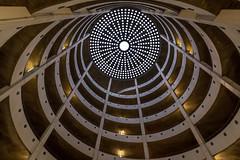 Spiralrampen (Nic2209) Tags: nikond750 nic2209 flickr2020 flickr 2020 allemange alemania europa deutschland germany treppen stairporn stairs escaliers scala scalaachiocciola spiralstaircase escalierencolimaçon staircase fenster window garage licht light rund rundgang tamron1530mm tamron spiralrampen