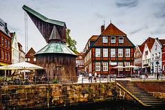 Fischmarkt, Stade (joern_ribu) Tags: stade altstadt hafen kran geschichte fachwerk historic historisch oldtown niedersachen norddeutschland