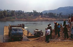 Betweeni Muang Xai and Luang Phrabang, river crossing (blauepics) Tags: southeast asia südostasien laos lao nambak muang xai city stadt mountains berge landscape landschaft traffic verkehr new road neue strase infrastructure infrastruktur vehicle river crossing fluss überquerung fähre ferry