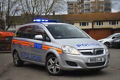 BX10 LJA (S11 AUN) Tags: london metropolitan police vauxhall zafira city airport armed response arv firearms support unit fsu panda car irv incident 999 emergency vehicle metpolice bx10lja