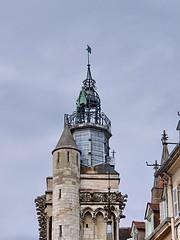 301 France - Bourgogne, Dijon, église Notre-Dame de Dijon, le carillon (paspog) Tags: dijon bourgogne france église church kirche chiesa august août 2019 églisenotredamededijon notredamededijon notredame
