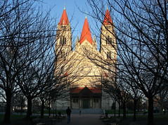Die Franz-von-Assisi-Kirche (Wolfgang Bazer) Tags: franzvonassisikirche mexikoplatz leopoldstadt st francis assisi church kirche kaiserjubiläumskirche mexikokirche vienna wien österreich austria