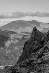 Bariloche 2019 - Cerro Catedral Diente de Caballo Pico (Pablo Begni) Tags: argentina bariloche patagonia cerrocatedral piedras rionegro cielo nubes montañas encuadre foco ladera lago nikond800 d800 nikon paisaje