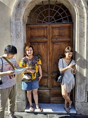 2020-01-07_09-22-55 (CK63) Tags: candidstreetphotography peopleinthestreet colorstreetphotography asianpeople peoplephotos fotografiacándida fotografiacallejera unposed juststreetphotography lascalles carrers italy rome
