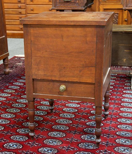 Walnut southern sugar chest with 1 drawer ($784.00)