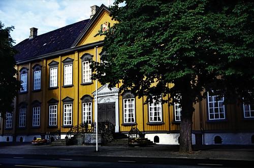 """Norwegen 1998 (473) Stiftsgården • <a style=""""font-size:0.8em;"""" href=""""http://www.flickr.com/photos/69570948@N04/49346696857/"""" target=""""_blank"""">Auf Flickr ansehen</a>"""