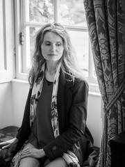 Mariëlle, Wiltshire 2019: Bay window (mdiepraam) Tags: marielle wiltshire 2019 salisbury mompessonhouse nationaltrust portrait pretty gorgeous attractive mature fiftysomething brunette woman lady milf elegant classy scarf jeans denim baywindow curtains blackandwhite