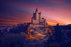 Cae la noche en Segovia (Chusmaki) Tags: segovia atardecer noche anochecer castillos alcázar paisajes luz