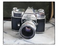 Kodak Retina Reflex III   1962-64 (NoJuan) Tags: kodak retina kodakretina retinareflexiii 35mm 35mmslr cameraporn cameraportrait vintagecamera vintagekodak vintage35mm 35mmcamera