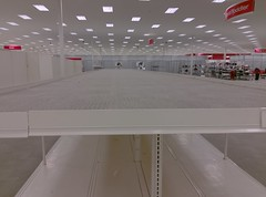 Landing pad (l_dawg2000) Tags: 2019liquidation closed cordova departmentstore discountstore early2000s liquidation memphis retail shelbycounty supertarget target tennessee tn wavyneon unitedstates