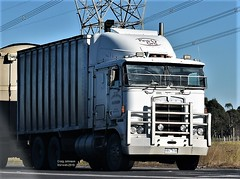 Kenworth at Morwell (secret squirrel6) Tags: secretsquirrel6truckphotos craigjohnsontruckphoto australiantrucks bigrigs worldtrucks trucks truckphotos woodchips kenworth cabover pinegro trucking morwell 2019