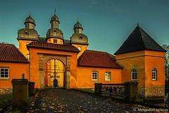 Schloss Holte (günter mengedoth) Tags: samyangts24mmf35edasumc samyang ts 24 mm f35 ed as umc pentaxk1 pentax pk architektur schloss historisch manuell