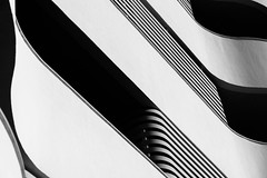 wavy III (rainerralph) Tags: schwarzweiss fe4024105g fassade architecture sony architektur facade a7r3 blackwhite abstract