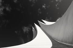 Tempodrom Berlin (andreasscharr) Tags: berlin deutschland canon canon5dmarkiv ef24105mmf4lisusm city hauptstadt architectur architecture blackandwhite black monochrom einfarbig schwarzweis germany geschichte gebäude