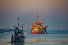La Rochelle_6579 (Luc Barré) Tags: drague « cap d'aunis » dragueuse larochelle sable ensablement plaisance ports mer océan vendée france aunis port