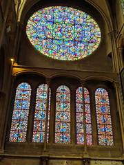 306 France - Bourgogne, Dijon, église Notre-Dame de Dijon (paspog) Tags: notredame églisenotredamededijon france bourgogne dijon august août 2019 vitrail vitraux