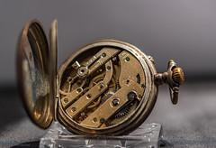 2020 läuft! (Günter Hentschel) Tags: 2020 januar januar2020 time zeit clock uhr taschenuhr deutschland germany germania alemania allemagne europa hentschel flickr nikon nrw nikond5500 d5500