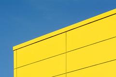 Yellow facade (Jan van der Wolf) Tags: map20049v yellow facade gevel architecture architectuur wall muur lines lijnen