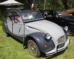 1985 citroen 2CV (Racquel Heron) Tags: car cars french vehicle vehicles citroen grey carshow park museum stouffville ontario canada